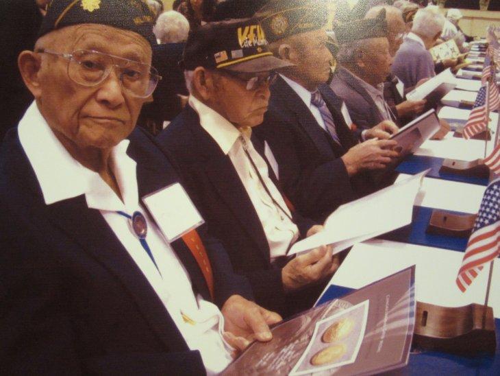 Nisei veterans receive Congressional Gold Medals in Washington DC, 2 Nov. 2011