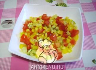 salat-iz-svezhix-ovoshhej-s-kukuruzoj