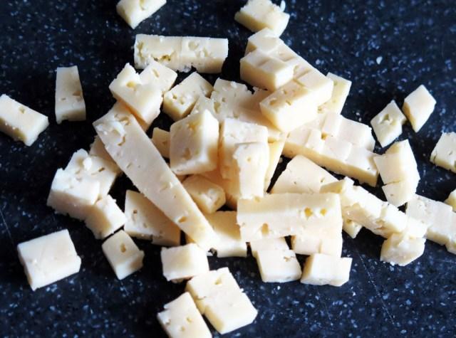 Салат с курицей сыром и гранатом (1)