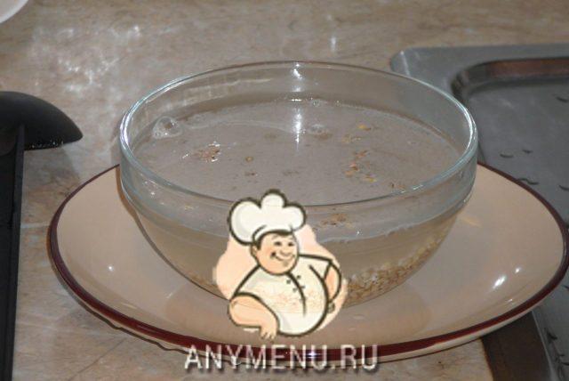 sup-s-chesnochnymi-kleckami