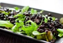postnyj-salat-iz-chernoj-fasoli