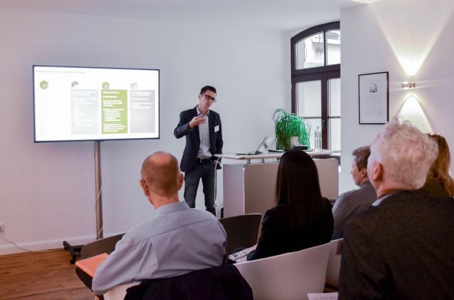 Mathias Kossmann hält den Vortrag zum Thema E-Recruiting Mehr als nur ein Online-Bewerbungsformular im anyMOTION Standort Köln