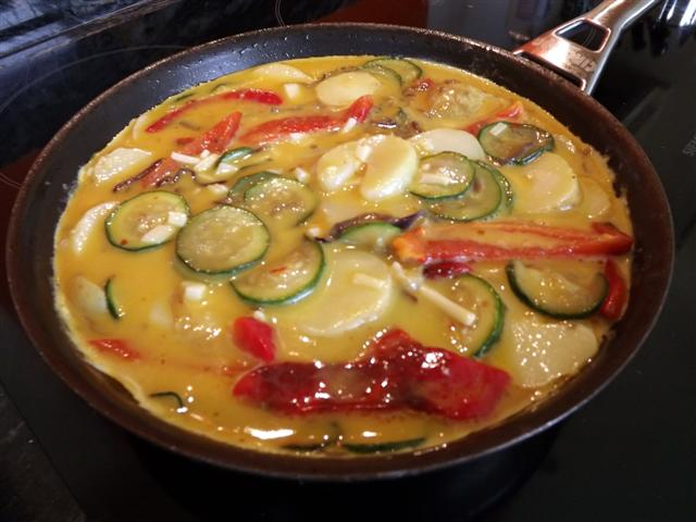 Roasted Red Pepper and Courgette Frittata (6/6)