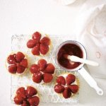 Recipe: Simple strawberry tarts with white chocolate