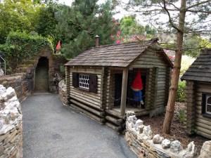 A gnome home