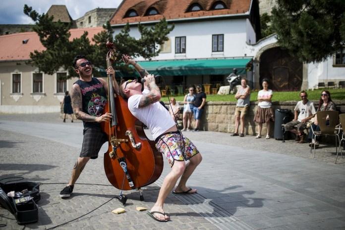 Utcazenészek versenye Egerben