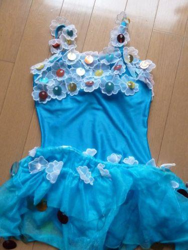 バトントワリングの子供の衣装