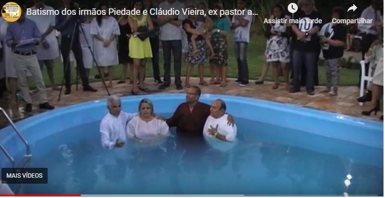 Deus nos deu a graça de batizar em nome de Jesus a um querido ex-pastor adventista a quem Deus também mostrou que a trindade é pagã, vinho de Babilônia