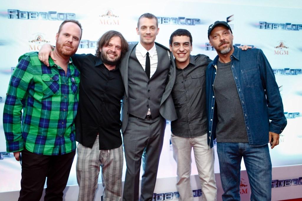 Da esquerda para a direita: Pedro Bromfman, Lula Carvalho, JOel Kinnaman, Daniel Rezende e José Padilha.