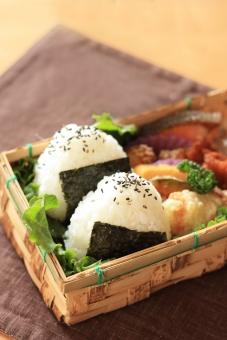 屋久島の登山では登山弁当を注文するべし。