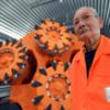 北海道新幹線走行姿は 「 トンネルマン」の命がけ難工事報われた一瞬!万感の思い!