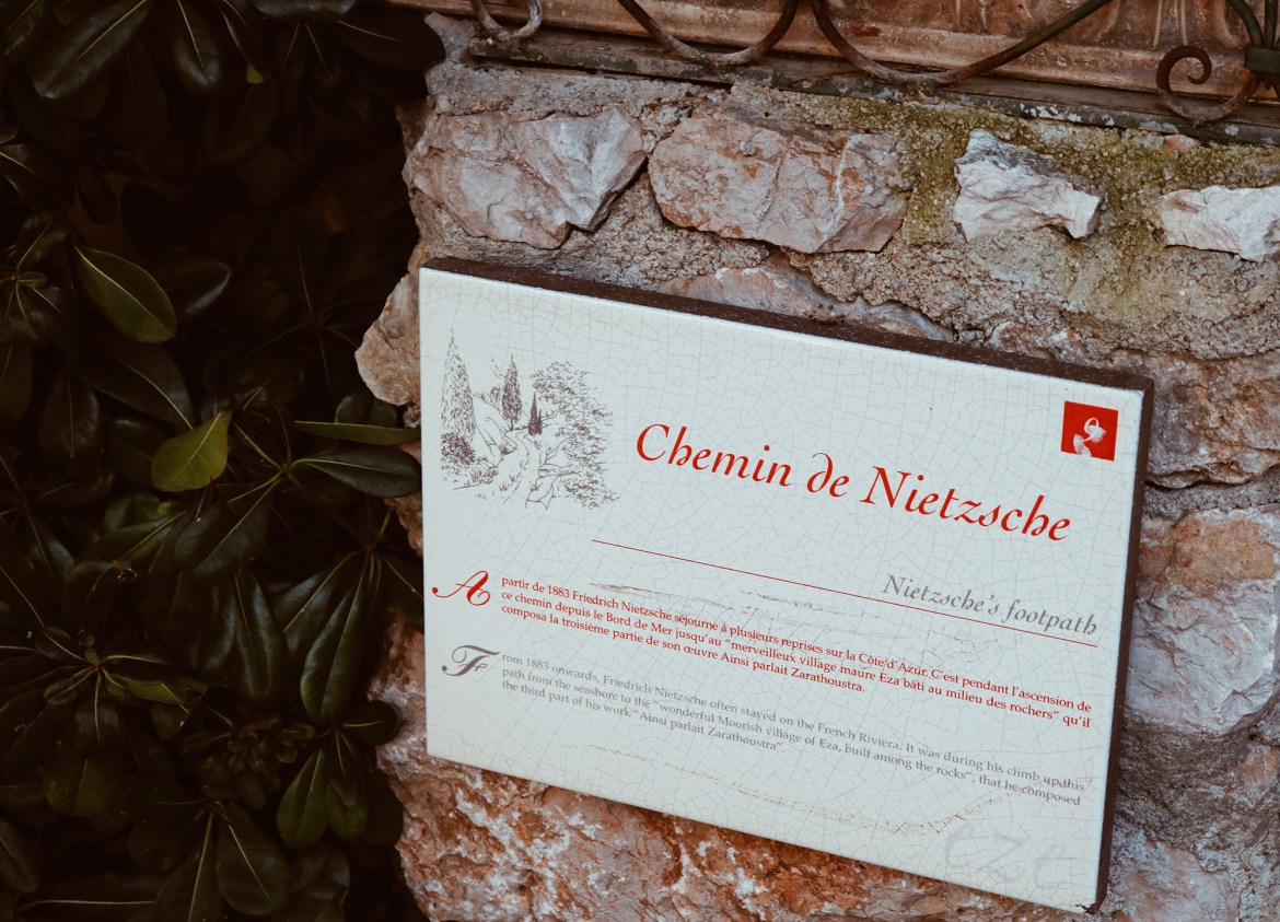 Placa do Chemin de Nietzche