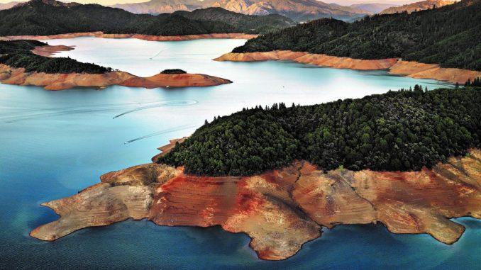 Wasserbilder, Edward Burtynsky, Art On Screen - News - [AOS] Magazine