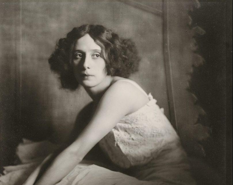 Madame d'Ora, Atelier d'Ora, Anna Pawlowa, 1913, Silbergelatineabzug, Art On Screen - News - [AOS] Magazine