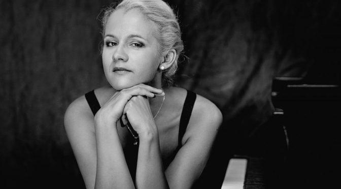 Aleksandra Mikulska, © Harald Hoffmann, Die Ausnahmepianistin, Art On Screen - News - [AOS] Magazine