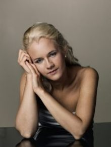 Aleksandra Mikulska, Die Ausnahmepianistin, Art On Screen - News - [AOS] Magazine