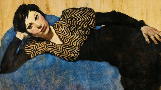 Ausstellung Lotte Laserstein - Von Angesicht zu Angesicht. Lotte Laserstein (1898-1993), Liegendes Mädchen auf Blau, Art On Screen - NEWS - [AOS] Magazine