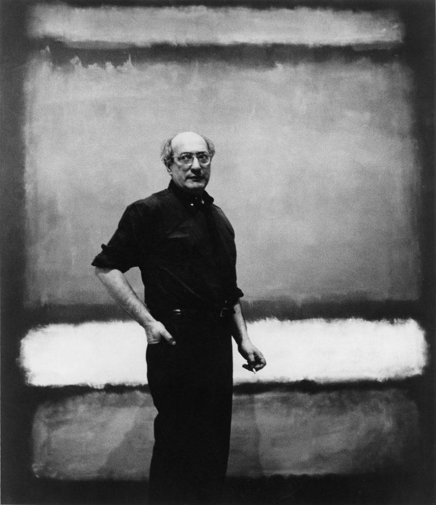 """Mark Rothko vor dem Werk """"No. 7"""", Mark Rothko Ausstellung, Mark Rothko Bilder, Rothko Ausstellung in Wien, Rothko Retrospektive im KHM, Kunsthistorisches Museum"""