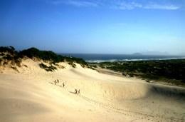 melhores-lugares-para-viajar-no-Brasil-sozinho-florianópolis-dunas-de-areia Os 10 melhores lugares do Brasil para se viajar sozinho (a)