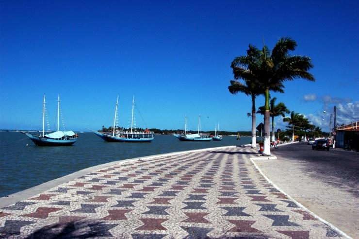 melhores-lugares-para-viajar-no-Brasil-sozinho-porto-seguro Os 10 melhores lugares do Brasil para se viajar sozinho (a)