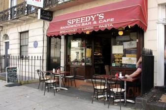 Cenários-e-Museu-de-Sherlock-Holmes-em-Londres-Speedys-cafe Cenários e Museu de Sherlock Holmes em Londres