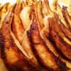 餃子がフライパンにくっつかない焼き方!皮パリパリで大満足♪