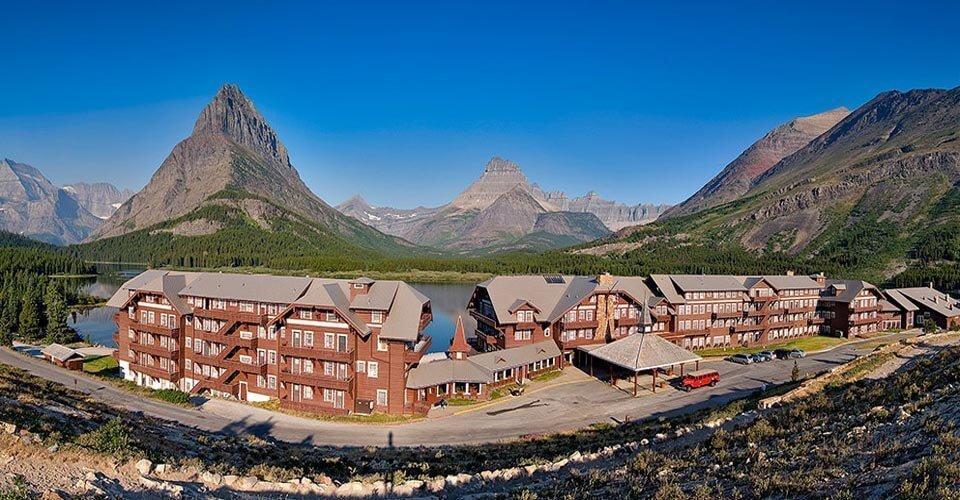 Glacier Lodge in Many Glacier