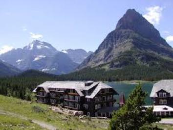 Many Glacier Lodge in Glacier National Park East Entrance