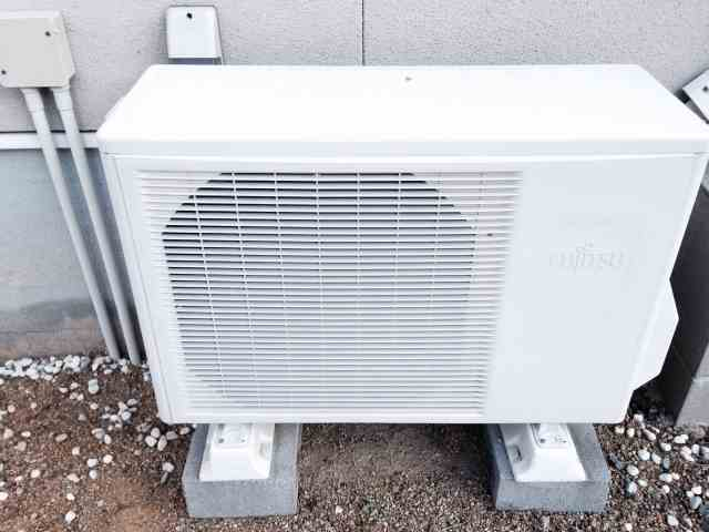 夏の電気代節約術!エアコンの室外機を熱から守る対策をする