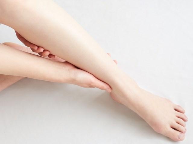 立ち仕事で辛い時!簡単に出来る腰痛の対処法と足が痛くならない予防