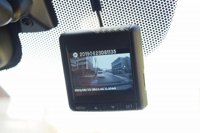 ドライブレコーダーの取り付け位置で違反?保安基準では不正改造車?