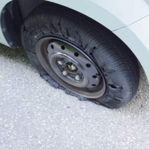 タイヤの寿命って?ひび割れで車検は通る?ひび割れの原因・許容範囲