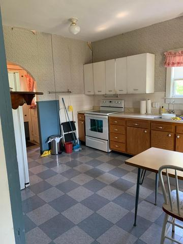Kitchen featured at 6832 Cleveland Rd, Ravenna, OH 44266