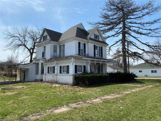 House view featured at 505 Union St, Meredosia, IL 62665