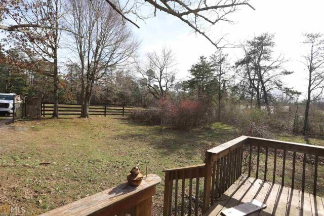 Porch yard featured at 29154 Highway 157, Menlo, GA 30731