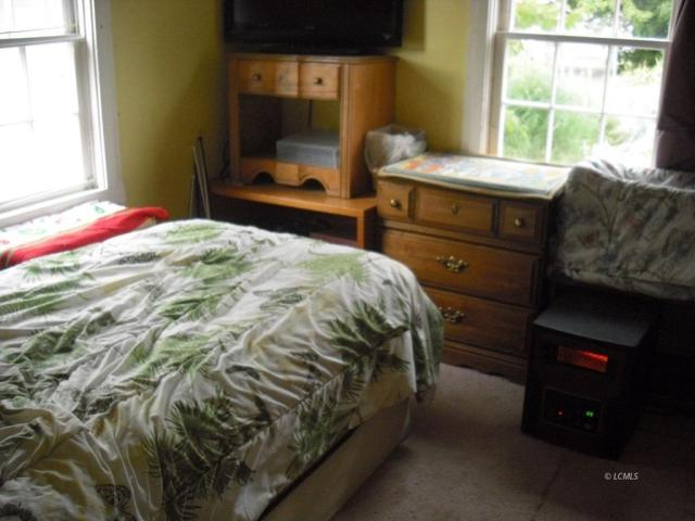 Bedroom featured at 824 Center St, Lakeview, OR 97630