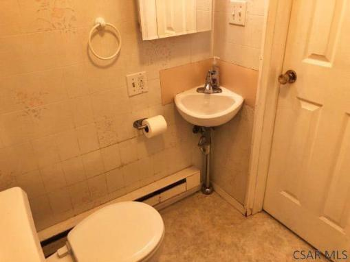 Bathroom featured at 1135 Agnes Ave, Johnstown, PA 15905