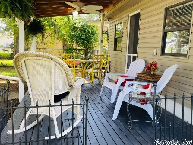 Porch featured at 13 Lakeshore Ln, Conway, AR 72032