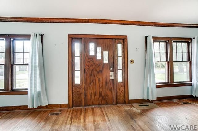 Dining room featured at 322 Rosedale Ave S, Lima, OH 45805