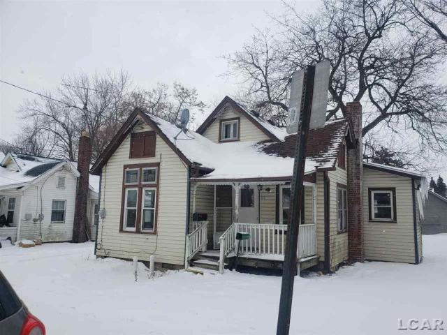 House view featured at 522 French St, Adrian, MI 49221