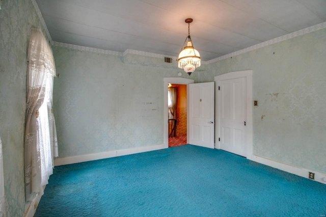 Property featured at 403 E 8th St, Alton, IL 62002