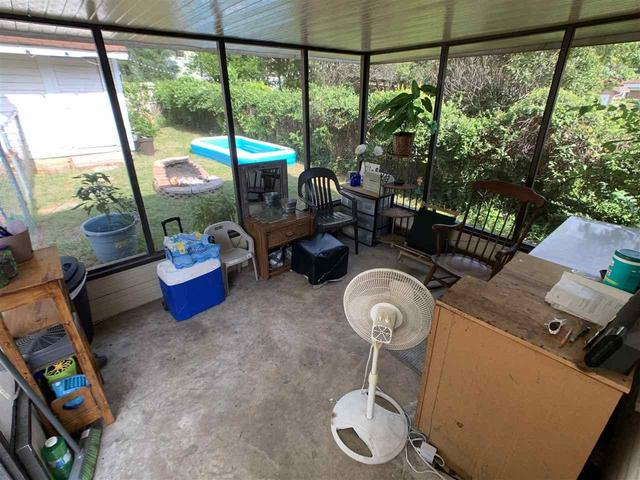Porch yard featured at 1307 Locust St, Texarkana, AR 71854