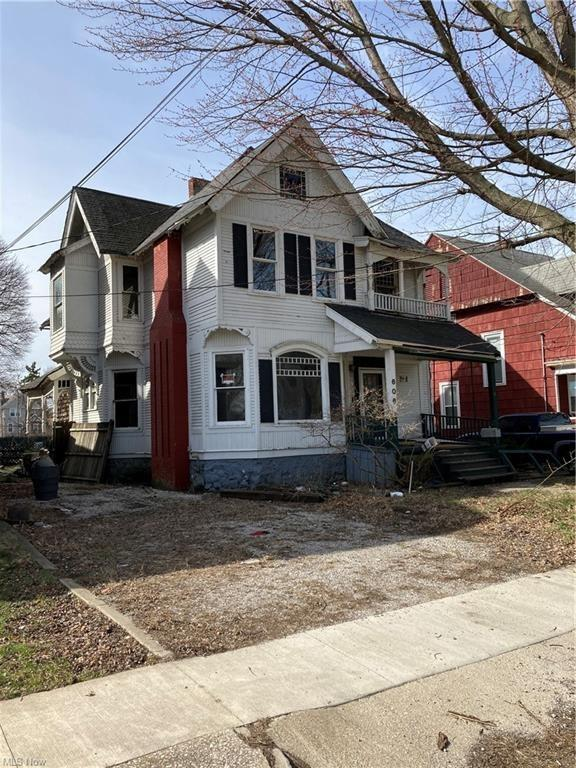 House view featured at 606 W 46th St, Ashtabula, OH 44004