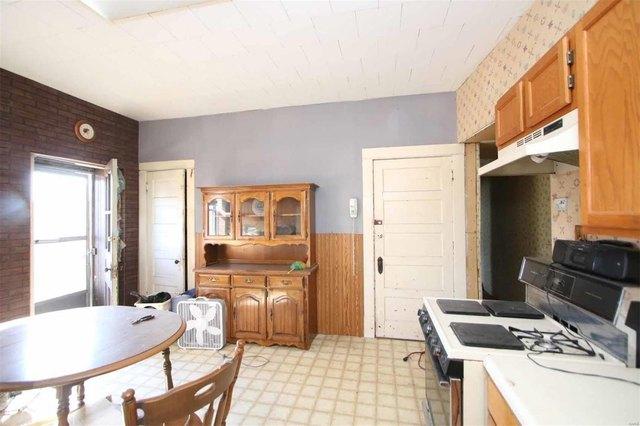 Kitchen featured at 2058 Cleveland Blvd, Granite City, IL 62040