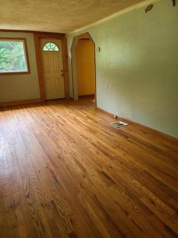Living room featured at 169 Doe Branch Rd, Haysi, VA 24256