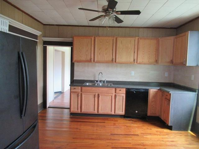 Kitchen featured at 191 Pleasant St, Hinton, WV 25951