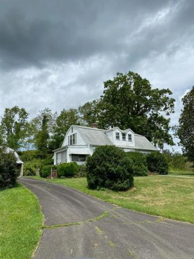 Road view featured at 3535 Low Gap Rd, Troutdale, VA 24378