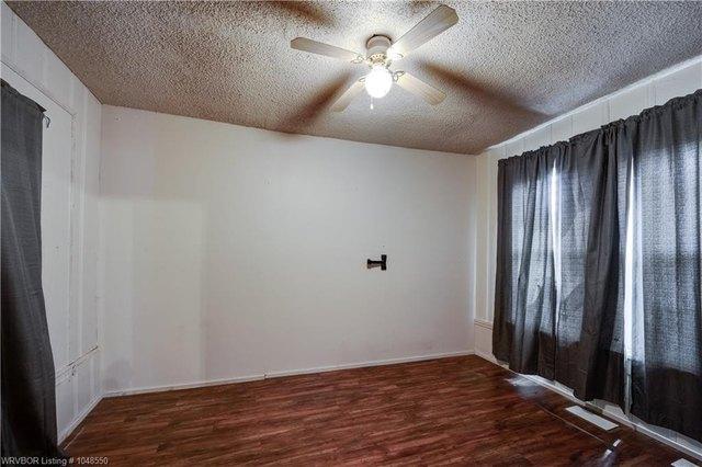Bedroom featured at 414 S 6th St, Van Buren, AR 72956