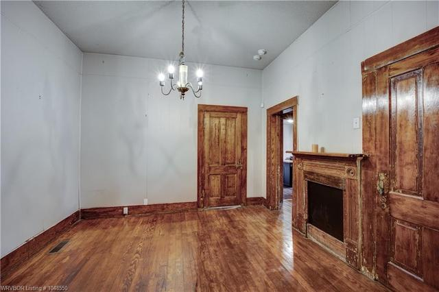 Dining room featured at 414 S 6th St, Van Buren, AR 72956