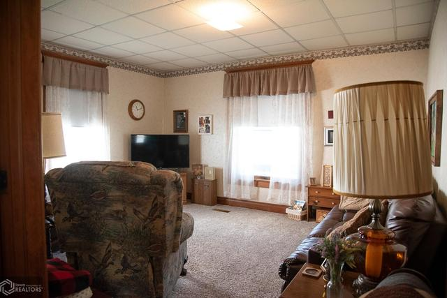 Living room featured at 530 Crawford St, Warsaw, IL 62379